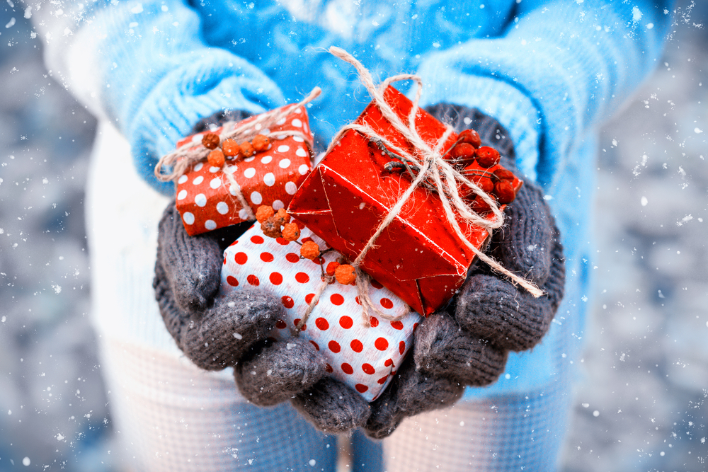 Tips For Holiday Giving On a Tight Budget